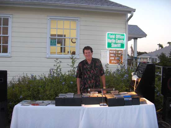 DJ Tom Kenyon revved up the crowd with a variety of music.